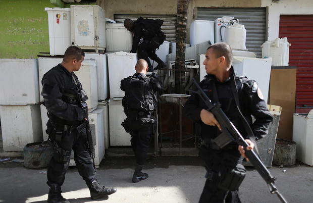 Brazilian security forces raid Rio slums ahead of World Cup