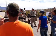 Armed demonstrators flock to support Nevada rancher