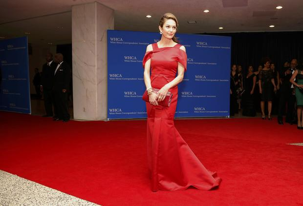 Actress Diane Lane arrives on the red carpet at the annual White House Correspondents' Association dinner in Washington May 3, 2014.
