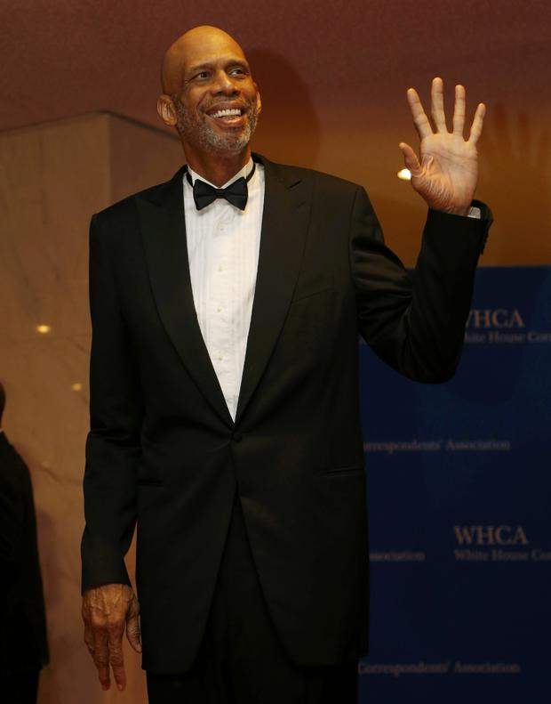 Basketball great Kareem Abdul-Jabbar arrives on the red carpet at the annual White House Correspondents' Association dinner in Washington May 3, 2014.