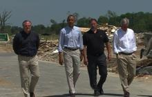 Obama visits with Arkansas tornado victims