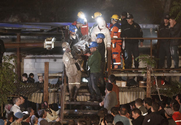 Turkey coal mine disaster kills hundreds