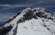 Rescuers suspend search for missing Mount Rainier climbers