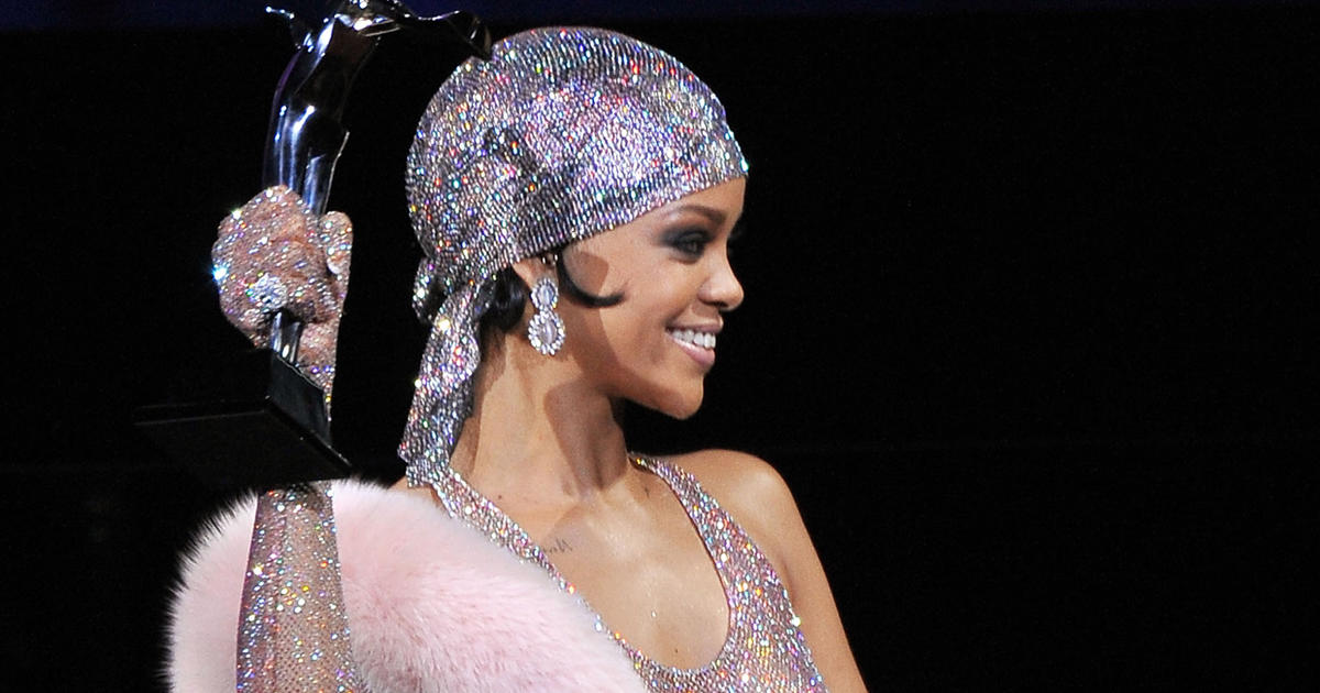 Rihanna Honored For Style At Annual Cfda Awards Cbs News