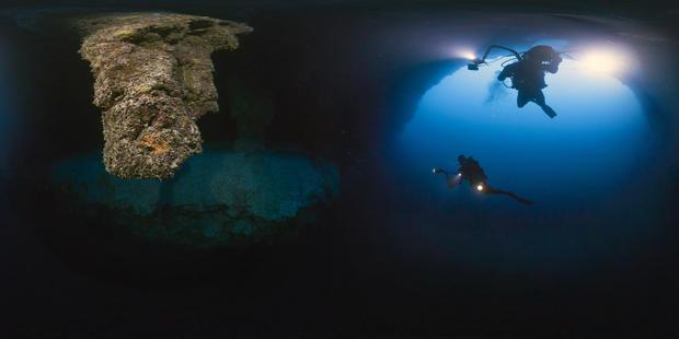 belize-barrier-reef-reserve-system-belize-blue-hole.jpg