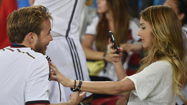 goetze-girlfriend.jpg
