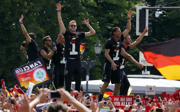 Germany gives soccer team heroes' welcome