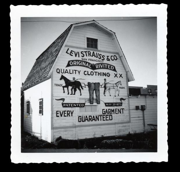 early-20th-century-billboard-barn.jpg