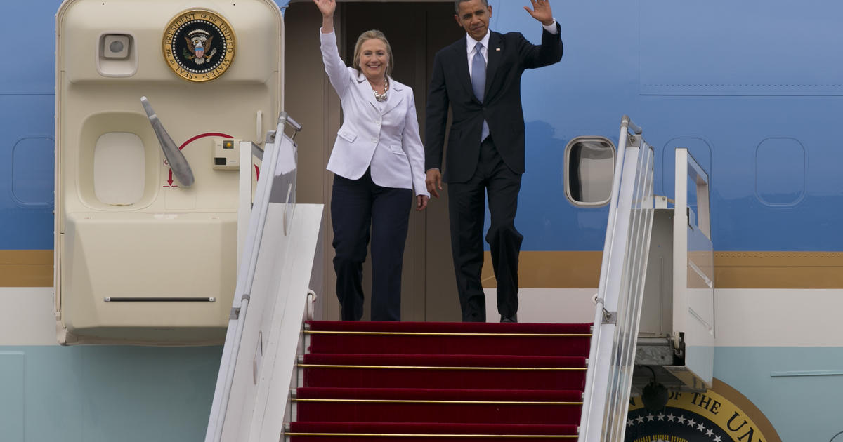 Donald Trump blasts Hillary Clintons Air Force One lift