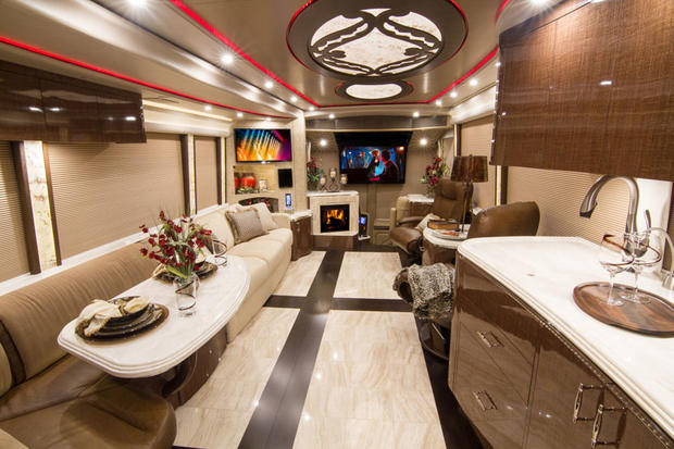 7 Incredible Multimillion Dollar Motorhomes Cbs News