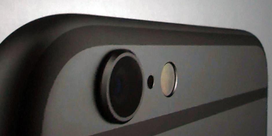 Takúto farbu by mohol mať aj nový iPhone 6S (fotka je z prezentačného videa iPhonu 6, ktorý na nej vyzerá akosi čiernejšie, než v skutočnosti je) - svetapple.sk