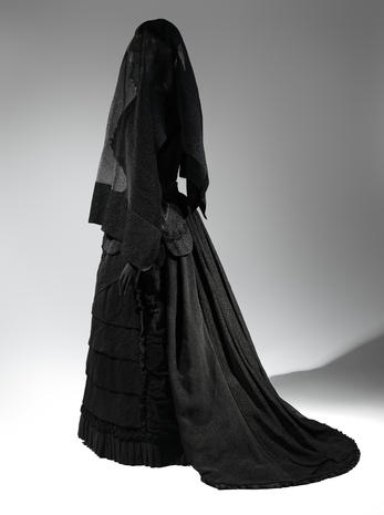 Fashion of mourning