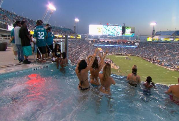 EverBank Stadium pool