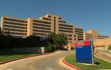 Hospital officials defend Ebola procedures