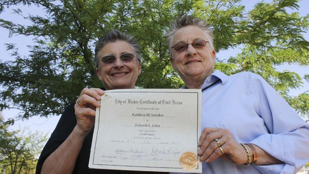 Same-sex marriage becomes legal in Arizona - CBS News