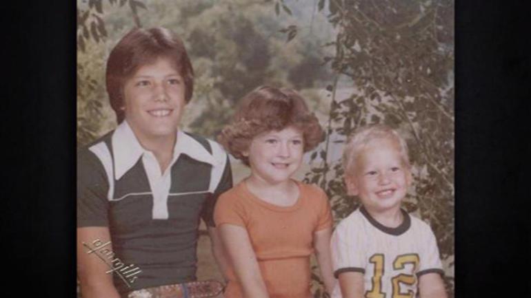 Blake Shelton family photo