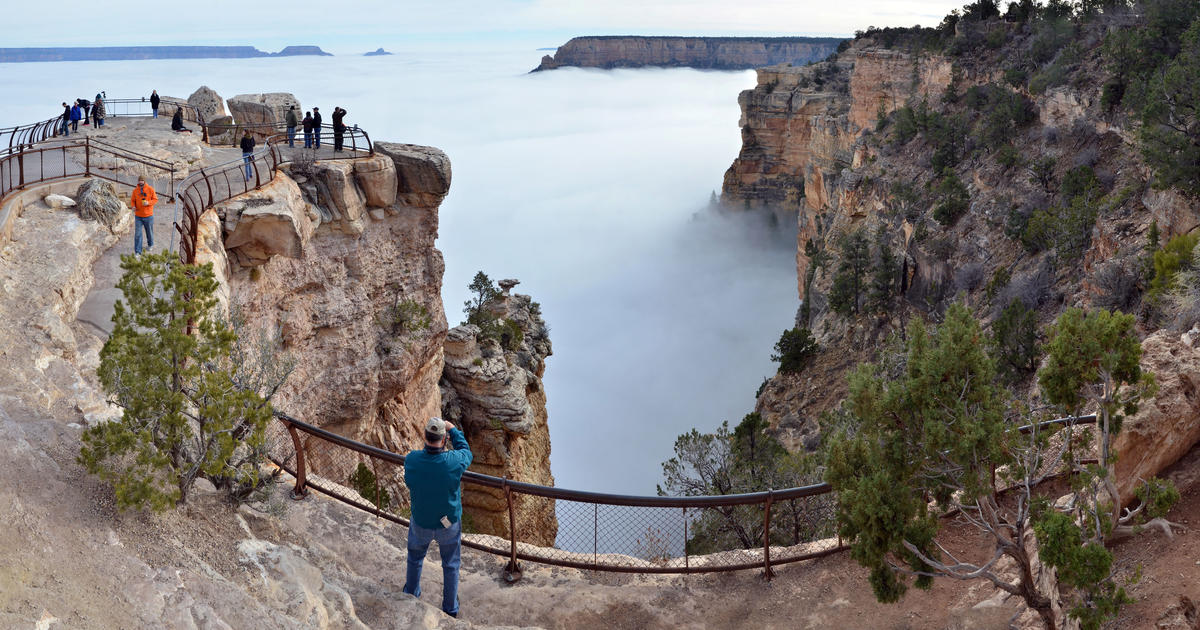 grand canyon fills with clouds in rare weather event cbs. Black Bedroom Furniture Sets. Home Design Ideas