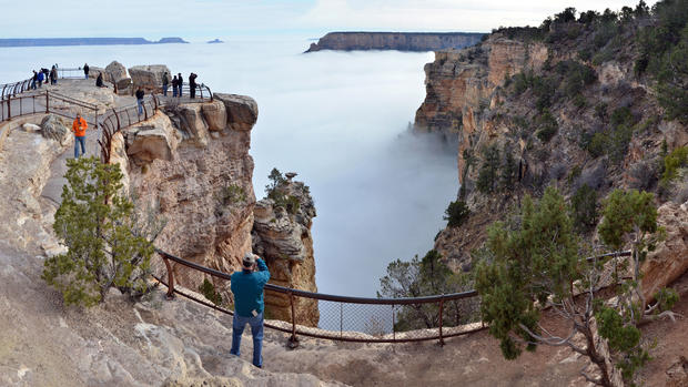 Grand Canyon fills with fog