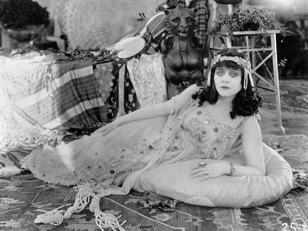 lost-film-theda-bara-cleopatra.jpg