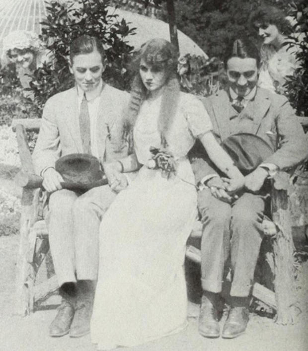 florence-laurence-with-matt-moore-owen-moore-poss-tangled-relations-1912.jpg