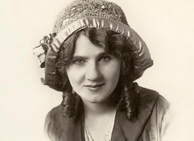 florence-lawrence-1908-portrait.jpg