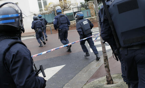 Hostage situation in eastern Paris