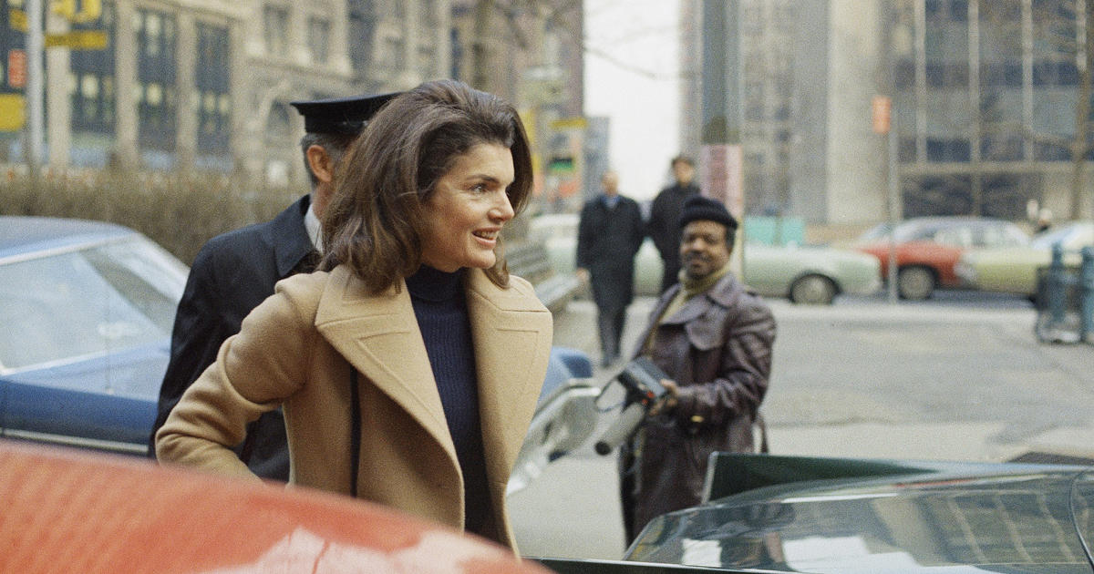 Auction To Feature Jacqueline Kennedy Onassis Personal Notes To Designers Cbs News