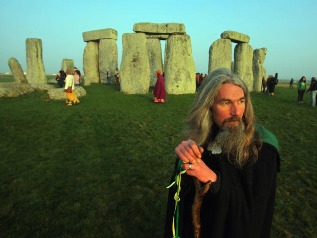 stonehenge-85525426.jpg