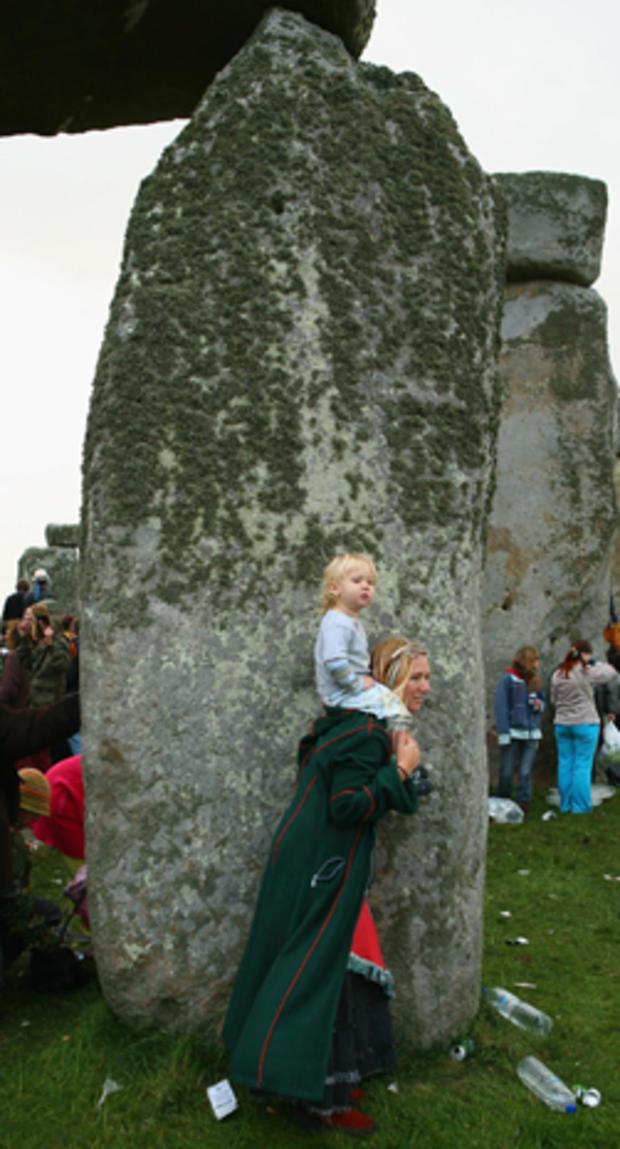 stonehenge-74844013.jpg