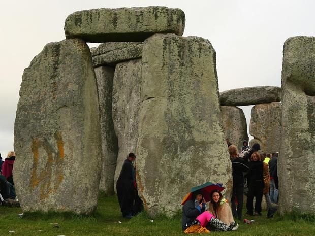 stonehenge-74844014.jpg