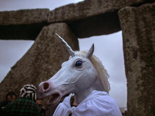 stonehenge-458335013.jpg