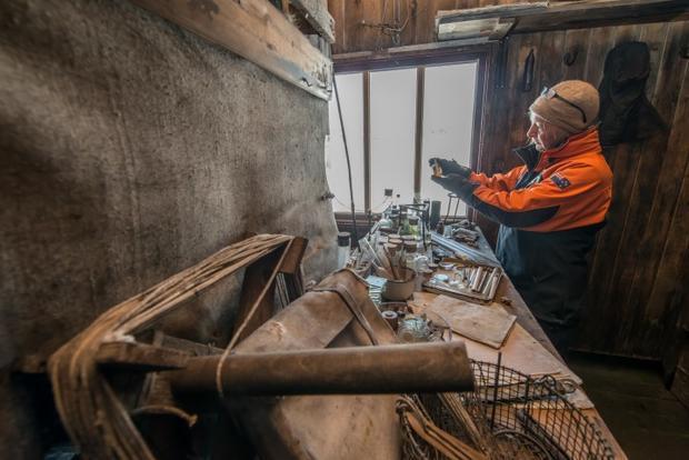 Restoring explorers' Antarctic huts