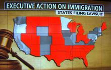 Judge temporarily blocks Obama's immigration executive action