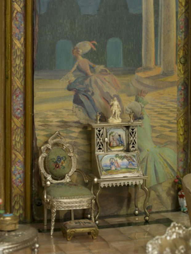 cm-fairy-castle-drawing-room-detail-chair.jpg