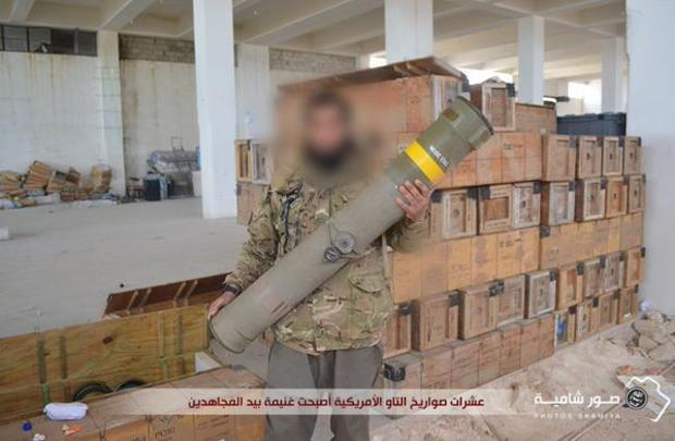 An unverified image posted to Twitter on March 2, 2015 purports to show an al-Nusra Front militant holding a TOW anti-tank missile system