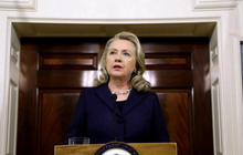 Hillary Clinton still silent on private emails controversy