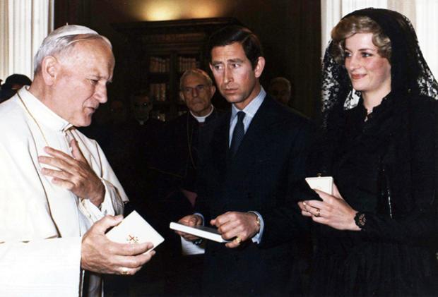 diana-pope-john-paul-ii-978320.jpg