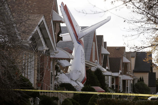 plane-crashes-reutersrtr4eljh.jpg