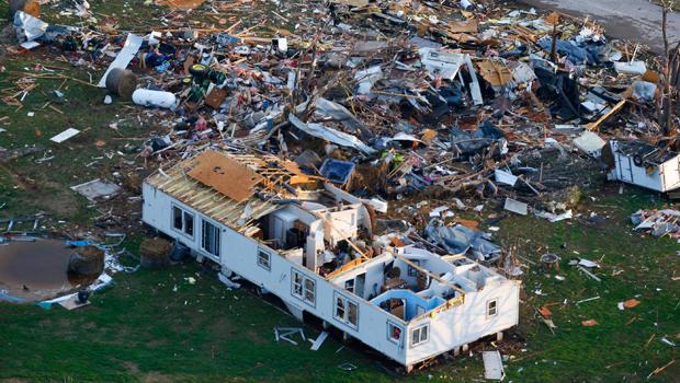 Tornadoes Severe Storms Hit Oklahoma Arkansas Cbs News