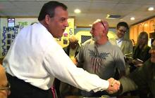 "Chris Christie jokes about Bridgegate scandal, ""Sopranos"" in New Hampshire"