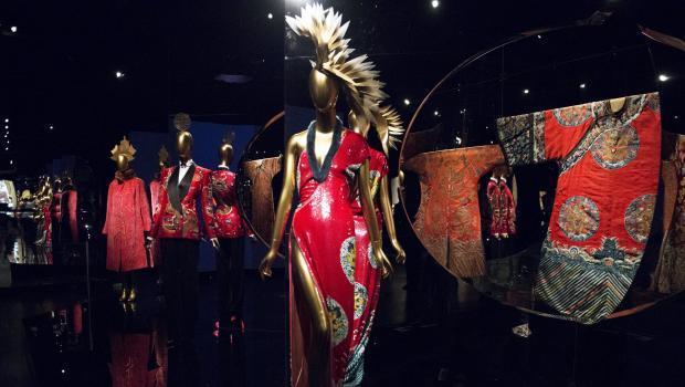 met costume institute exhibit uses film fashion to explore east west interplay cbs news. Black Bedroom Furniture Sets. Home Design Ideas