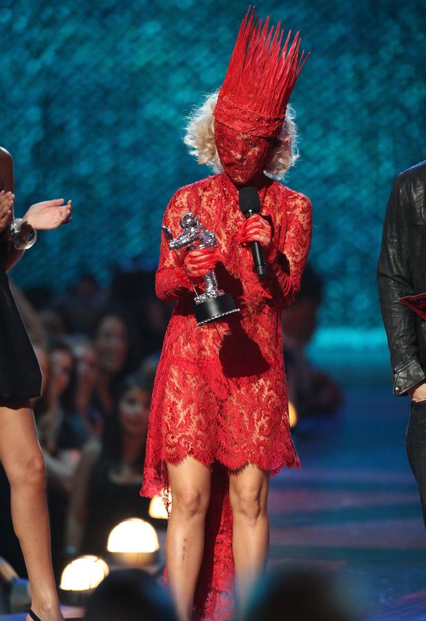 Lady Gaga: Red romance