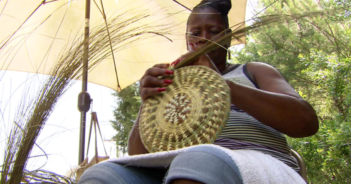 Basket Weavers Keep An Age Old Tradition Alive CBS News
