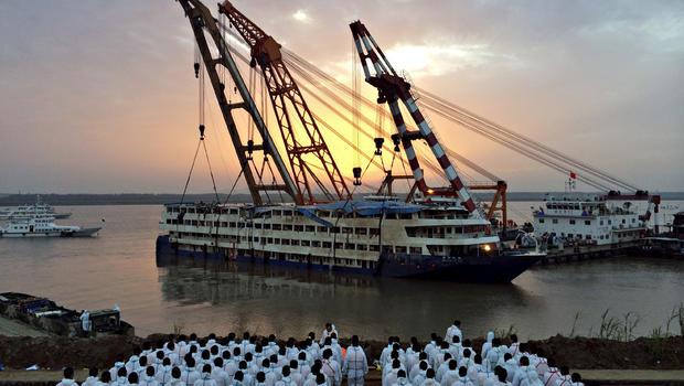 China Cruise Ship Flipped Upright In Yangtze River As Chinese - Sunken cruise ships