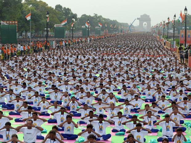 yoga-india-477947690.jpg