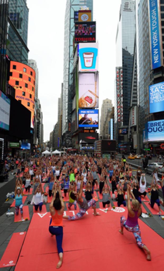 yoga-nyc-478001538.jpg