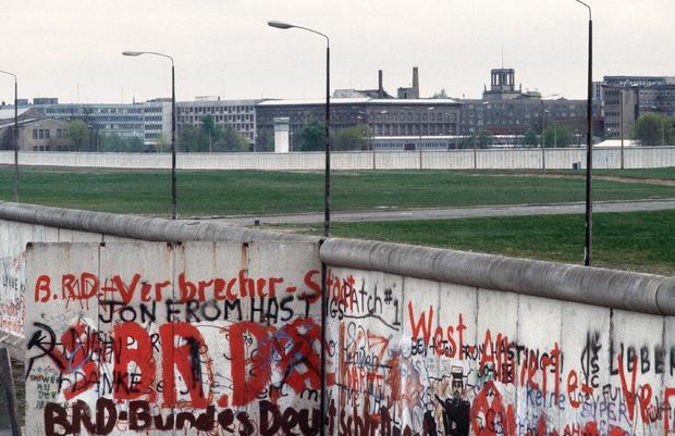 berlin-wall-gettyimages-169708251.jpg