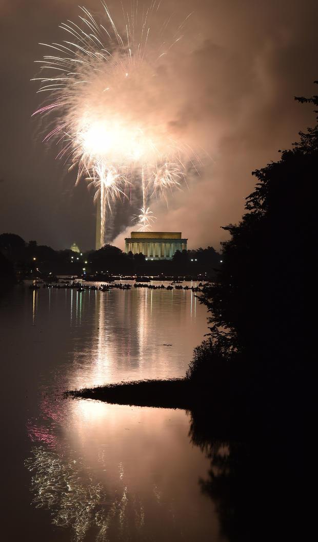 fireworks-washington-dc-479499224.jpg