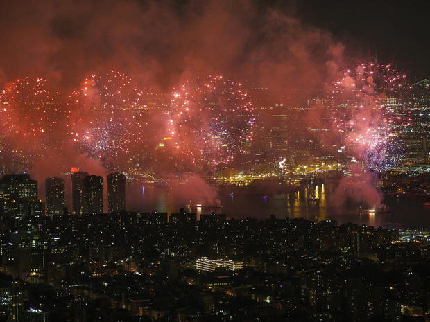 fireworks-nyc-479499600.jpg