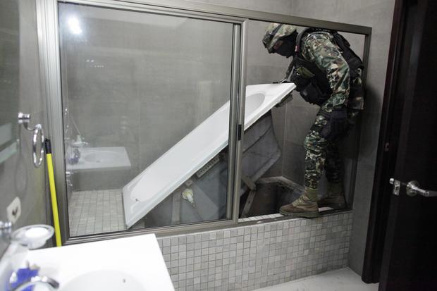 First Escape Mexican Drug Lord S Brazen Tunnel Escape Again Cbs News
